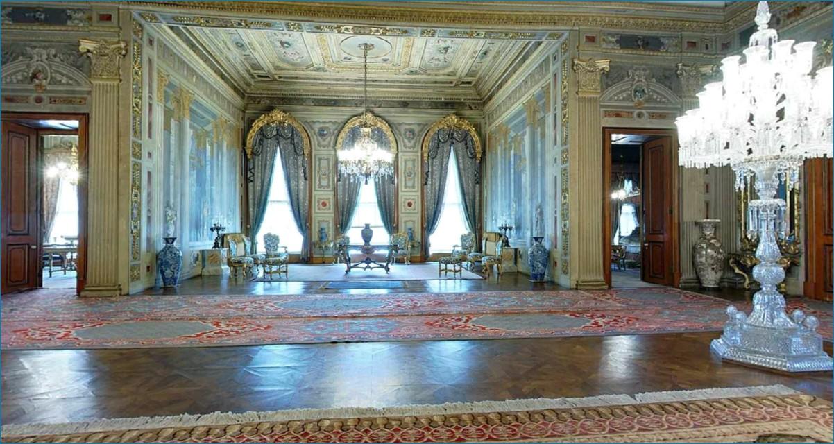 Дворец Долмабахче — прекрасный каприз турецкого султана