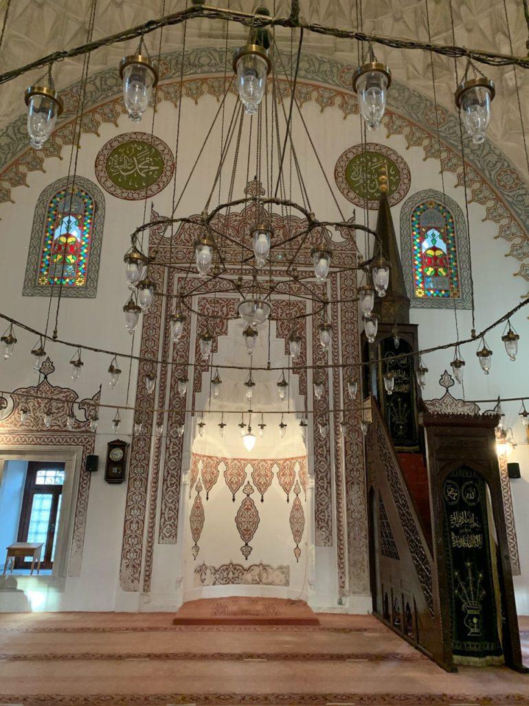 Мечеть Фируз Ага - неправильная мечеть времен завоеваний