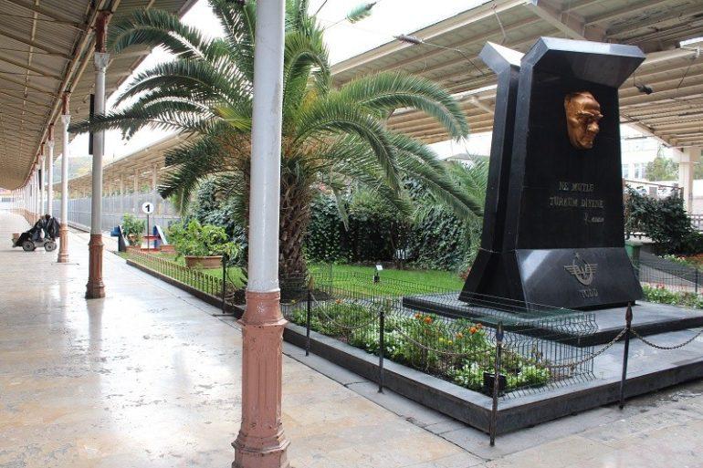 """Вокзал Сиркеджи (Sirkeci Garı) в Стамбуле. Так вот он какой, """"Восточный экспресс"""" по мотивам Агаты Кристи"""
